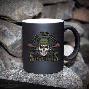 Чашка хамелеон черная SOLDIERS