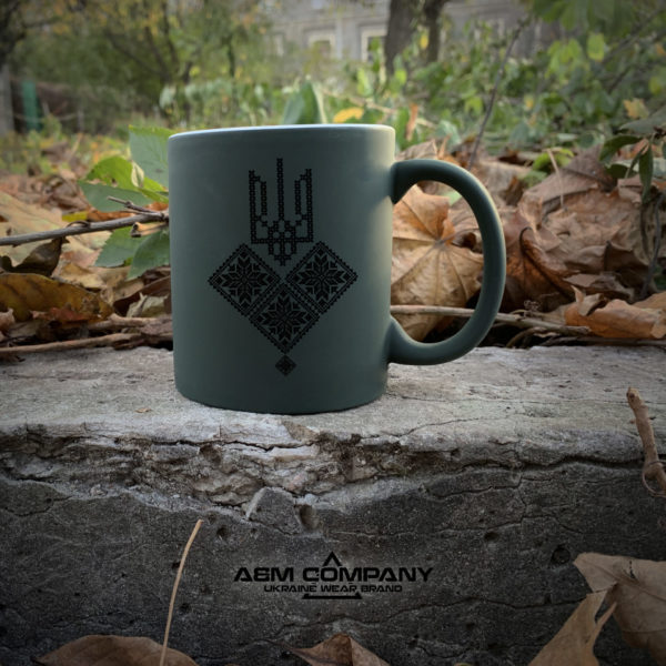 Чашка хамелеон олива с рисунком ТРИЗУБ
